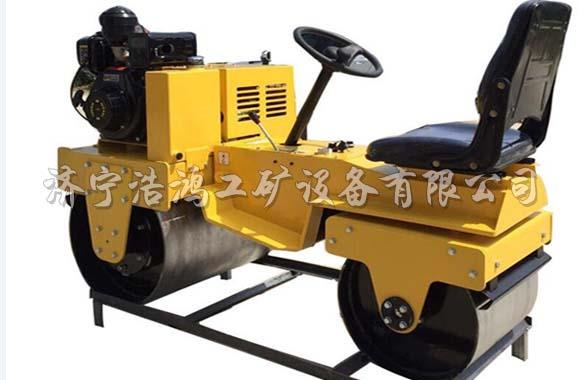 Double wheel road roller